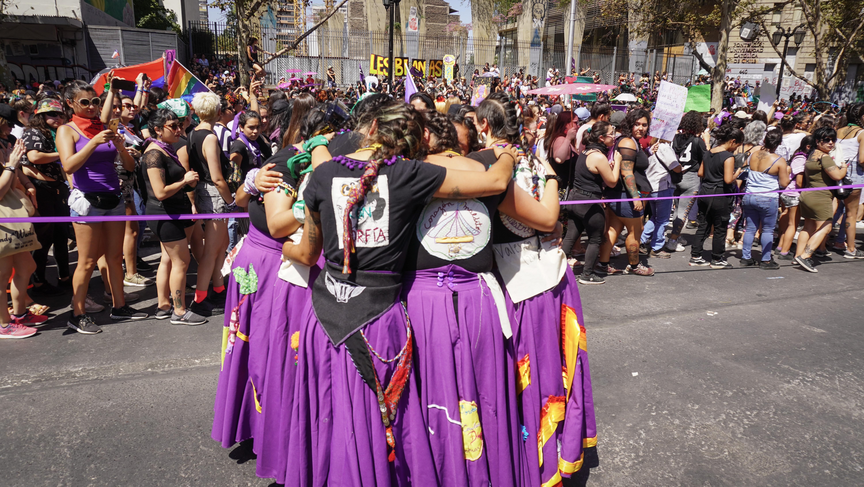 Marcha 8M en Chile. Comparsa Las Jardineras- Crédito: Lissette Fossa