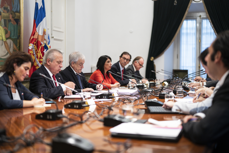Reunión del 16 de marzo del mandatario para analizar medidas por el coronavirus.