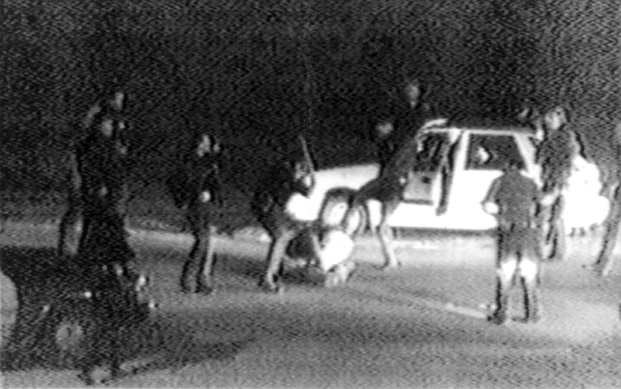 1992, Los Ángeles, video de la golpiza a Rodney King