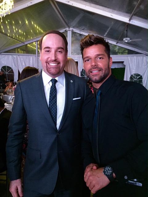 Alberto Chang junto a Ricky Martin.