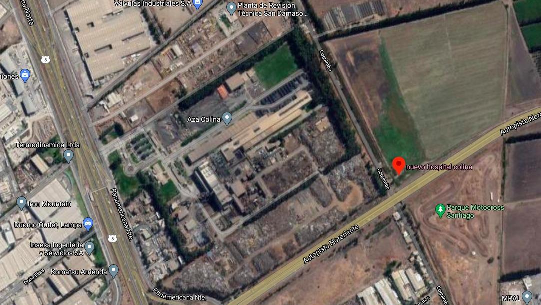 El paño en el que se pretende ubicar el hospital, a un costado de la empresa de acero Aza Chile.