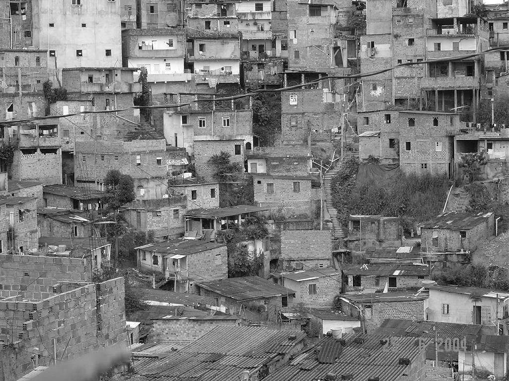 Las favelas sirven de refugio a las mafias locales