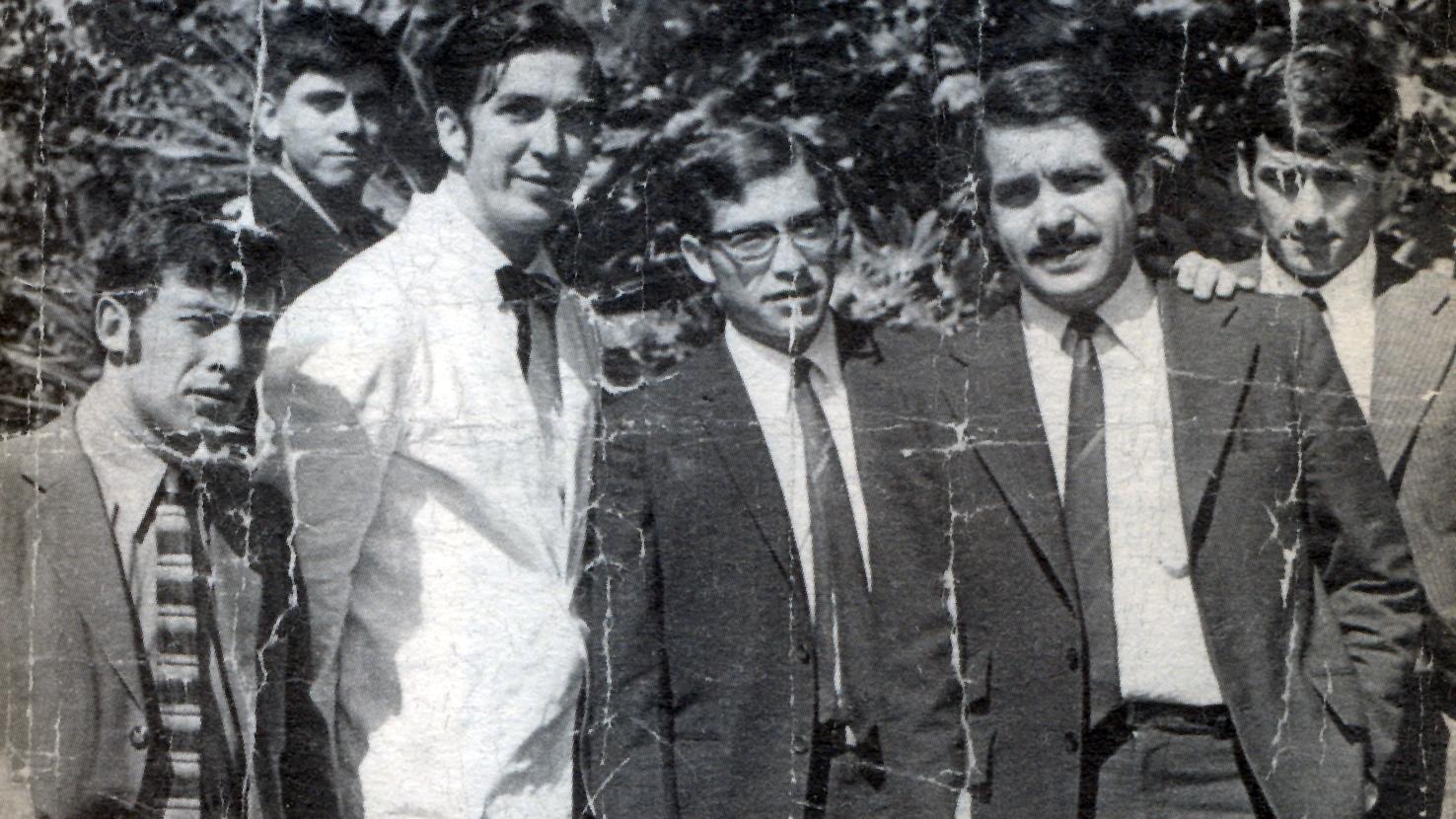 De Izq. a der. José Díaz, Enrique Valladares, Manuel Cortes Joo, Fernando Chavez y Jorge Ravanal. Archivo de Patricio Quiroga.