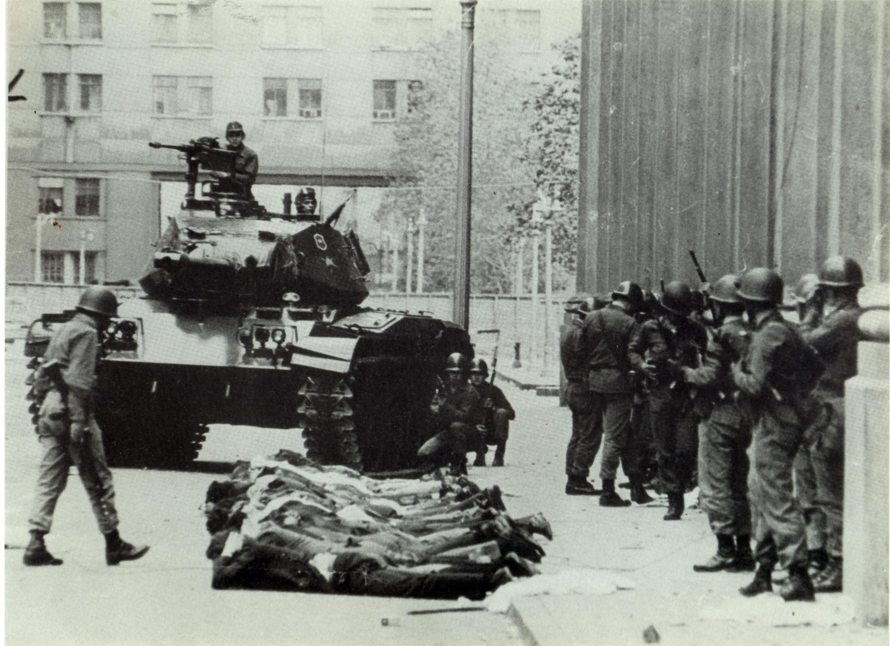 Detenidos en calle Teatinos