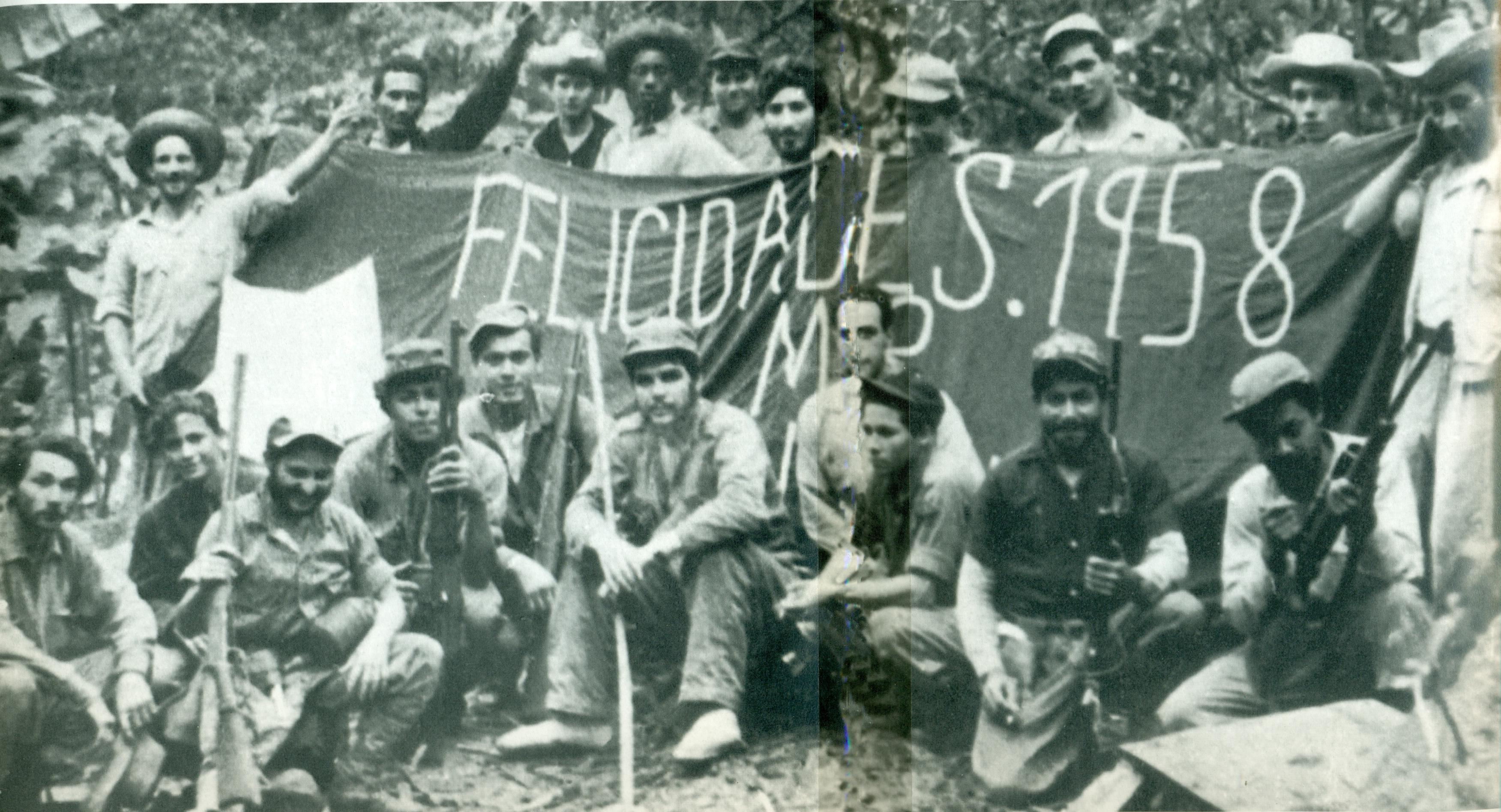 El Che y su columna despiden 1958 en la localidad de El Hombrito, en la Sierra Maestra.