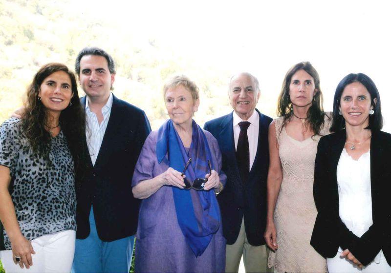 José Said Saffie junto a su esposa Isabel Margarita Somavía y sus hijos Salvador, Isabel, Loreto y Constanza Said Somavía