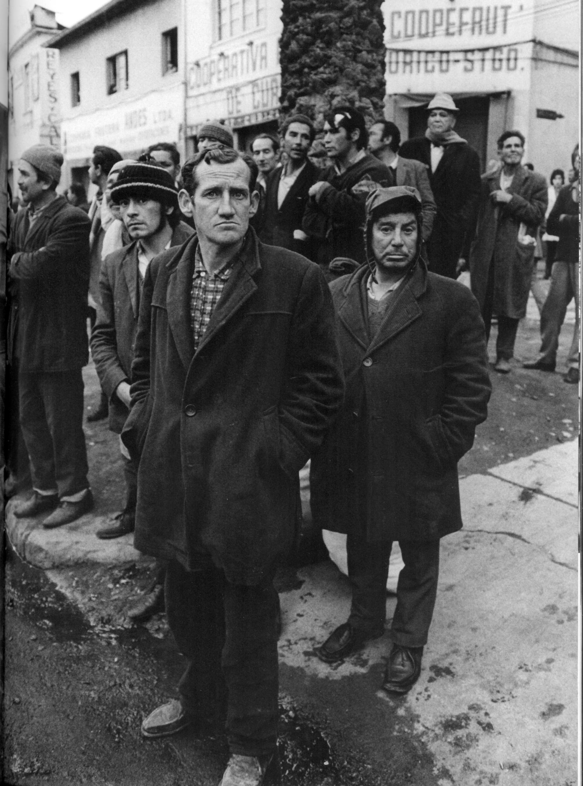 La dignidad de los postergados por décadas. Foto de Raymond Depardon.