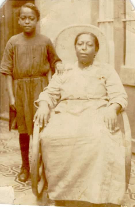 """Fotografía del libro """"Lumbanga: memorias orales de la cultura afrochilena"""""""