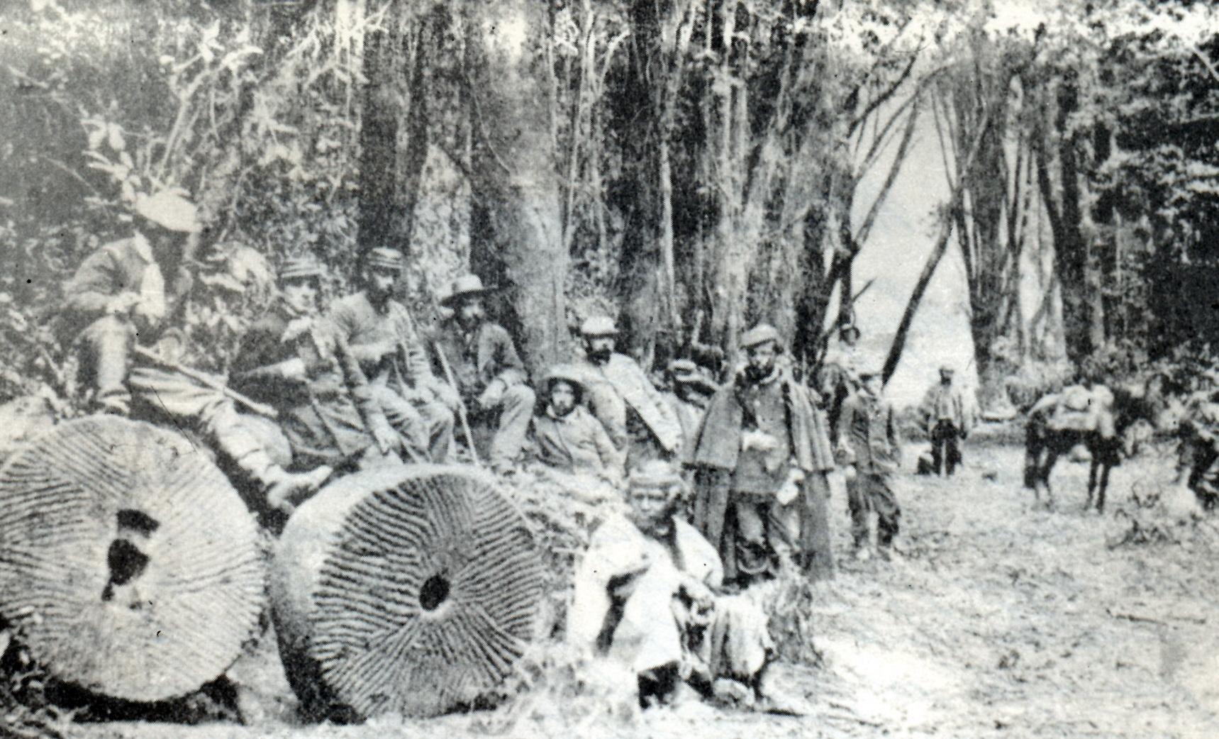 Ocupación de Villarrica por el Ejército del Sur en 1882. (Museo Regional de La Araucanía).