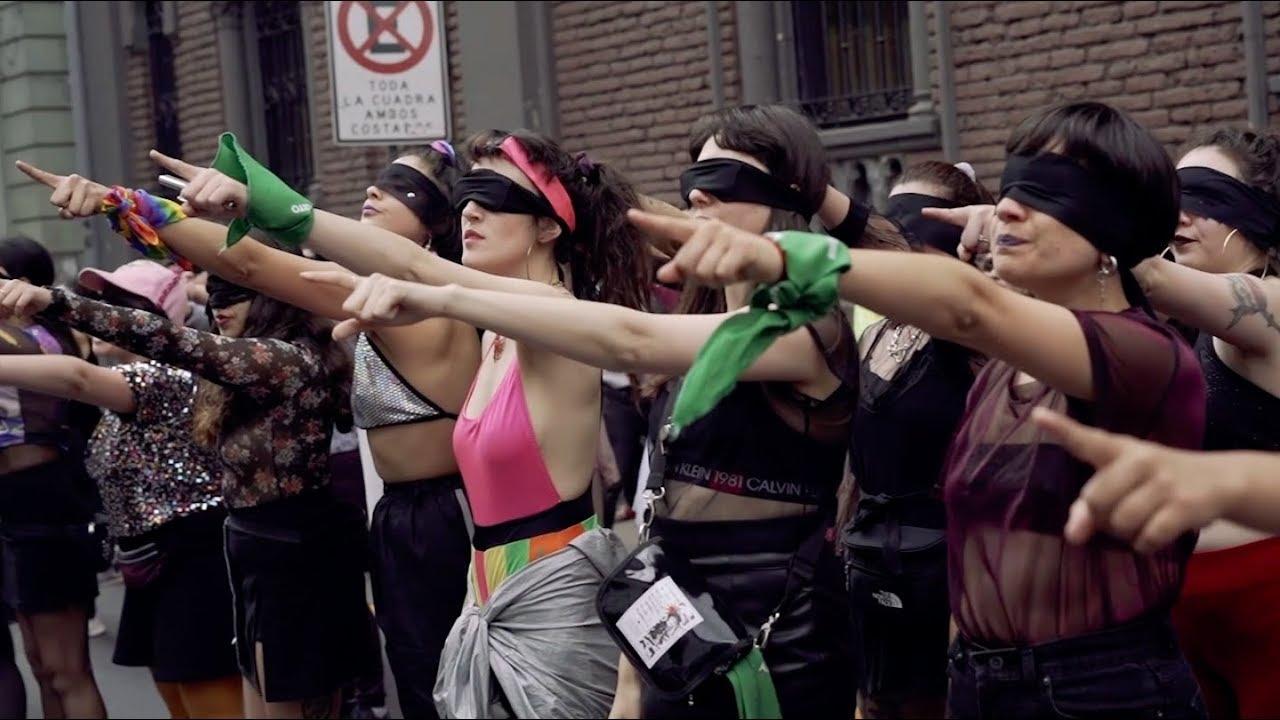 """Performance colectivo Las Tesis """"Un violador en tu camino"""". Registro Colectivo Registro Callejero"""