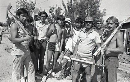 Obreros del PEM. Foto de Nelson Muñoz