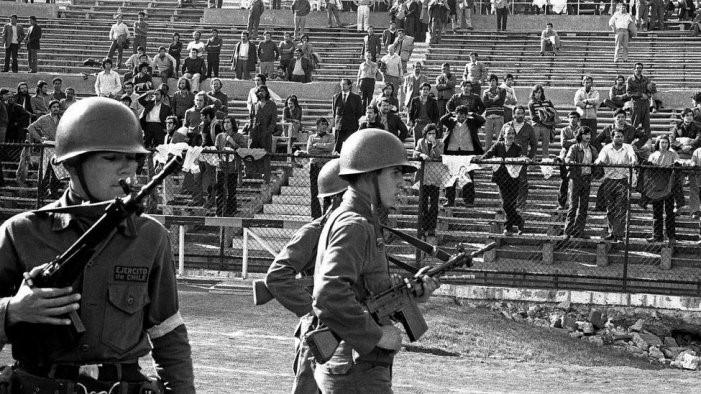 Prisioneros en el Estadio Nacional