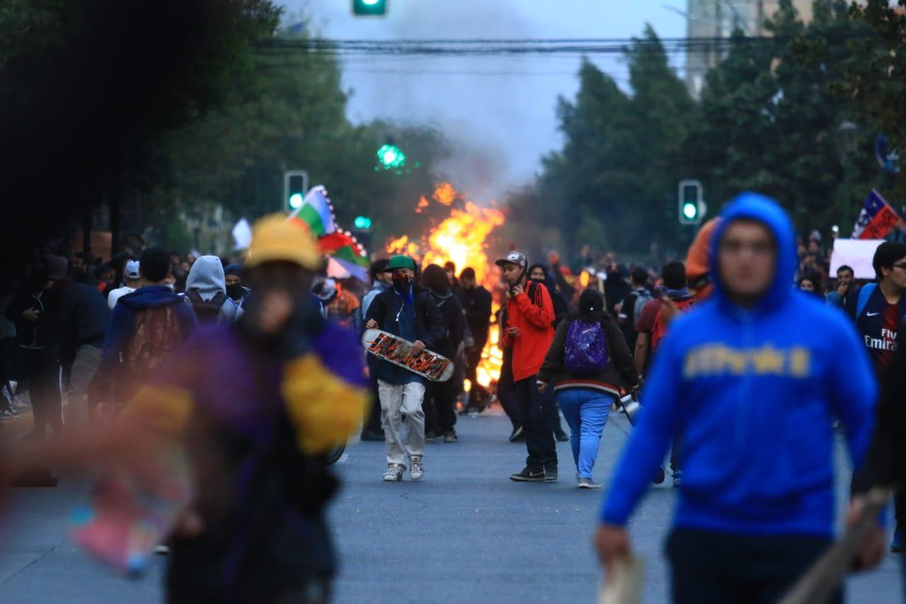 Cientos de manifestantes se congregaron en Rancagua. Foto: El Rancagüino.