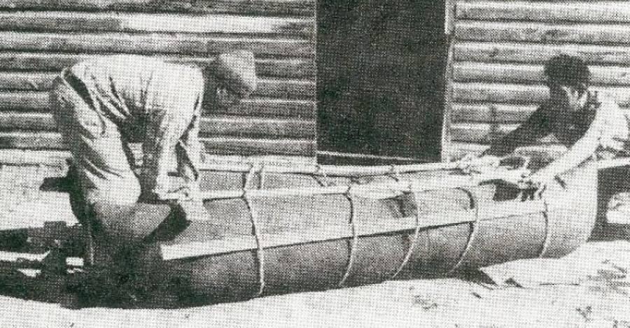 Roberto Álvarez (Izquierda). Fotografía Agrupación Cultural Changos Descendientes del Último Constructor de Balsas
