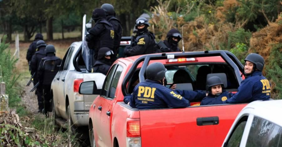 2013: 190 efectivos PDI allanaron el territorio Trapilhue-Mahuidache- Crédito: Felipe Durán