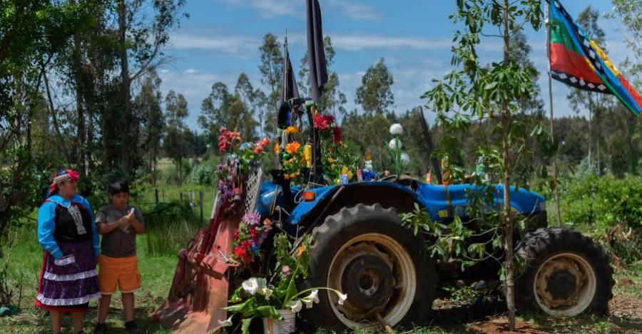 Tractor en el que se movilizaba Camilo Catrillanca cuando recibió el disparo