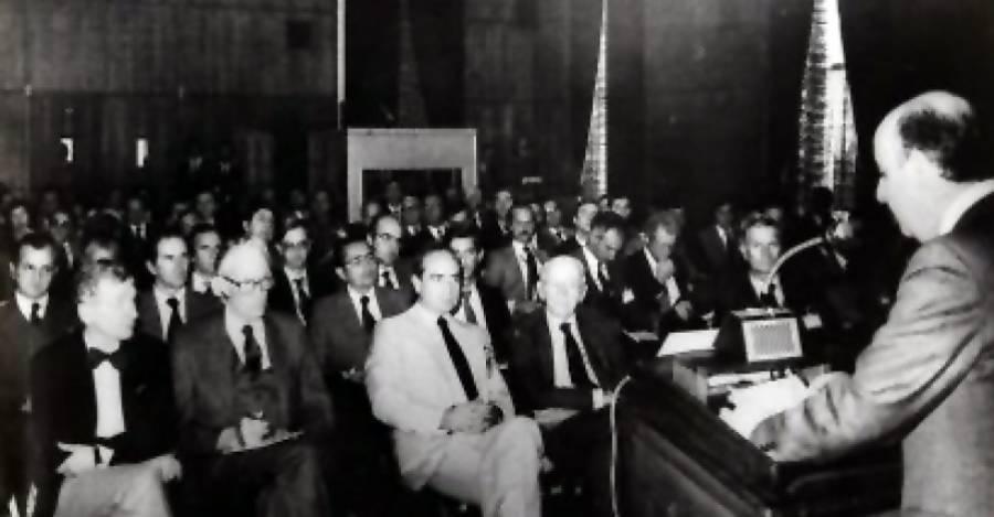 Jorge Cauas dictando una charla en el CEP
