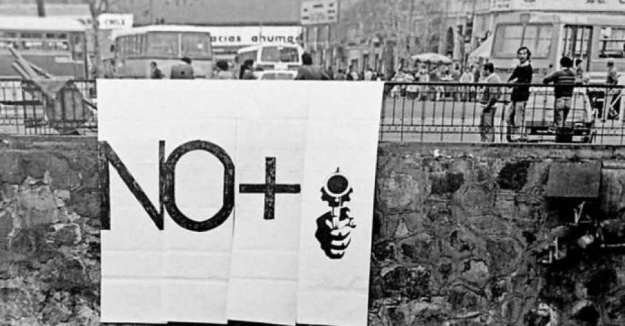 """Acción de arte """"NO +"""", 1984"""