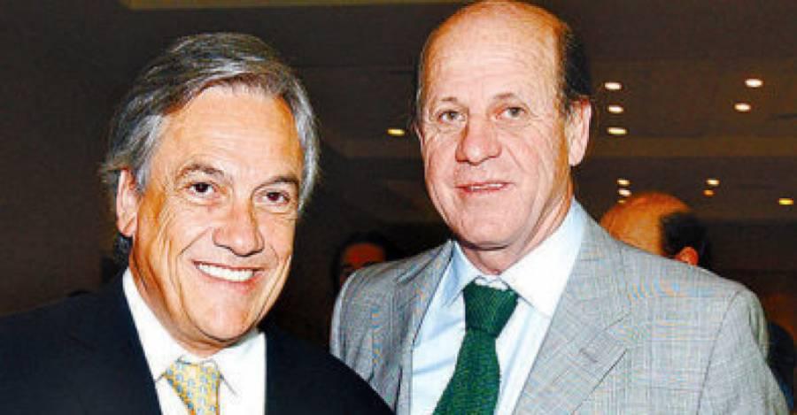 Sebastián Piñera junto a Carlos Alberto Délano.