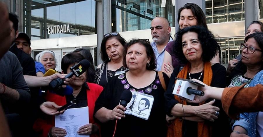 Las víctimas al momento de anunciar que pedirán la reapertura del caso