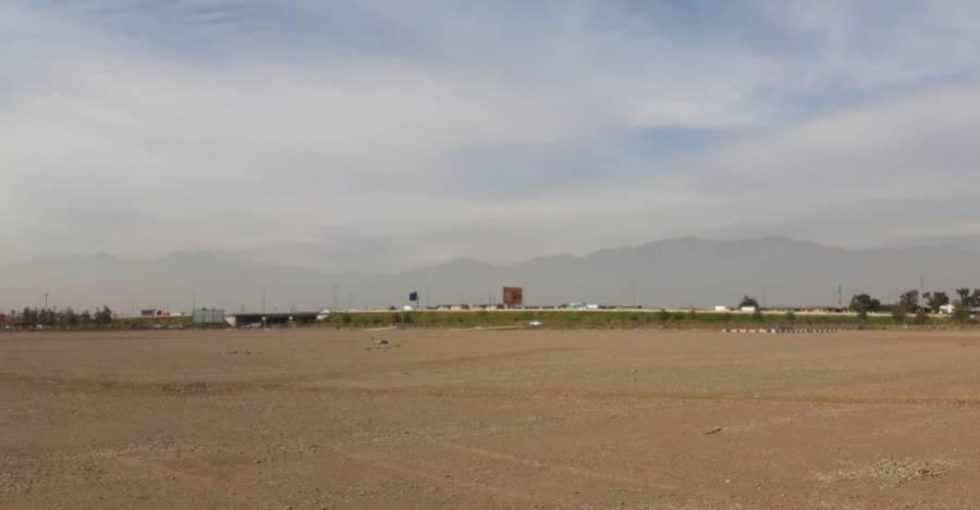 Así se ve al 22 de abril de 2020 el terreno donde debería emplazarse el hospital modular de Cerrillos. Foto: Nicolás Massai D. / Interferencia