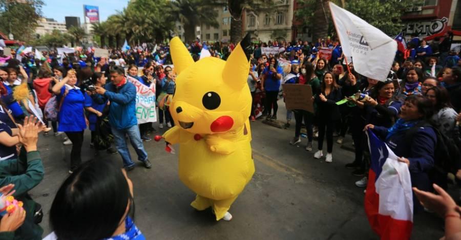 """Giovanna Grandón, conocida como """"Tia Pikachu"""", candidata constituyente al distrito 12."""