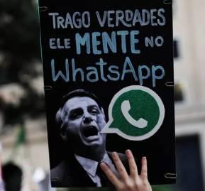 Antes de las elecciones hubo protestas contra Bolsonaro por usar WhatsApp para transmitir información falsa. Reuters / Nacho Doce
