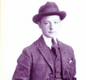 """Salvador Allende, """"Chicho"""", a los 17 años."""