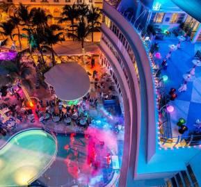 South Beach de noche. Foto: Miamiandbeaches.lat