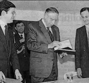 Lanzamiento de Chile, Sociedad Emergente. Foto: El Mercurio, 1989.