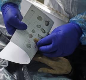 Huellas dactilares de una mujer que murió por COVID 19. Crematorio La Recoleta, 27 de Junio de 2020