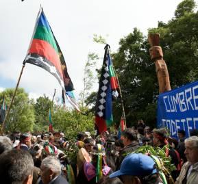 Cumbre en el cerro Ñielol en 2014 por la autodeterminación mapuche. Foto Abya Yala internacional