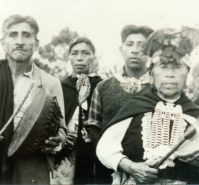 Familia mapuche en 1910. Archivo de los sacerdotes capuchinos.