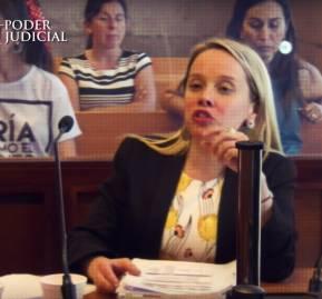La abogada Estela Farías en su intervención durante la audiencia de formalización
