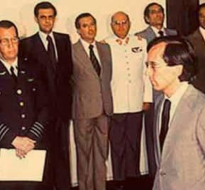 José Piñera es nombrado ministro del Trabajo por Augusto Pinochet