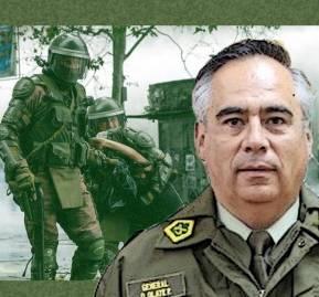A la derecha, el general subdirector de Carabineros, Diego Olate. De fondo, el teniente coronel (R) Claudio Crespo