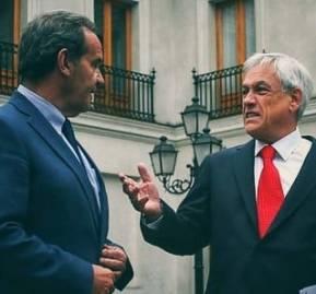 El canciller Andrés Allamand junto al presidente Sebastián Piñera