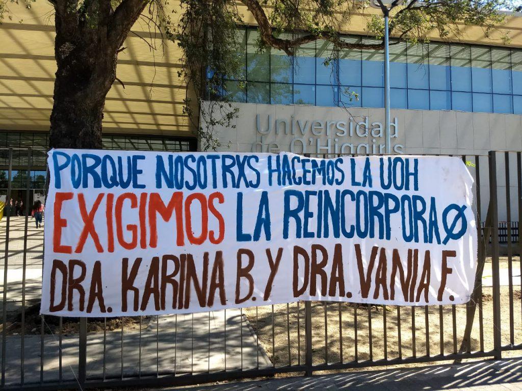 Manifestaciones de estudiantes en la época. Frontis de la UOH, Rancagua