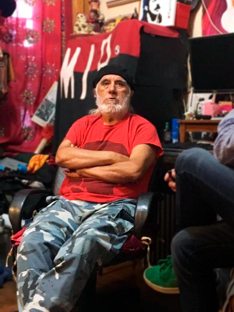 Víctor Toro contesta a las preguntas de INTERFERENCIA en su hogar.